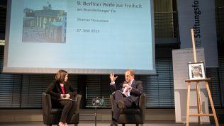 Zhanna Nemzowa und Alexander Graf Lambsdorff bei der 9. Rede zur Freiheit in Berlin