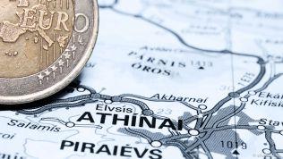 Griechenlandkarte mit Euromünze