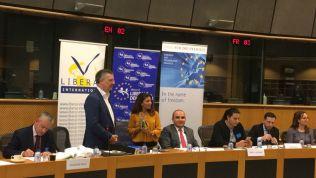 Markus Löning und Ensaf Haidar im Europäischen Parlament