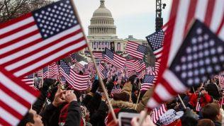 US-Flaggen vor dem Kapitol in Washington