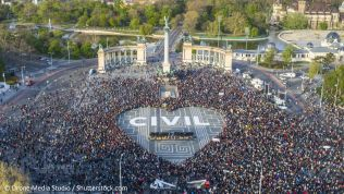 Demonstration in Budapest. Bild: Drone Media Studio / Shutterstock.com