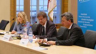 Linda Teuteberg, Thomas Hestermann und Jens Gnisa. Bild: Stiftung für die Freiheit