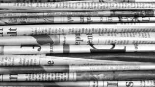 Zeitungen, Stapel