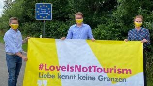 Moritz Körner, Heiner Garg, #loveisnottourism-Banner