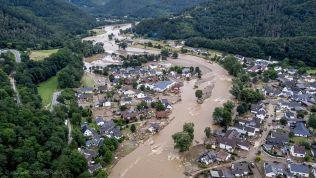 Hochwasser: Überflutetes Dorf in Deutschland