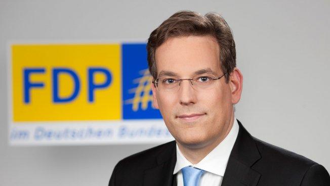 Prof. Dr. Erik Schweickert