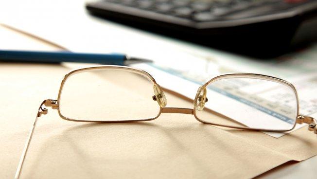 Taschenrechner, Brille, Stift: Wissing warnt vor den rot-grünen Steuerplänen