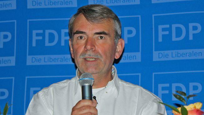 Gustl Mollath spricht über seinen Fall und fordert Reformen. Bild: FDP Bayern