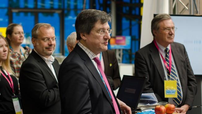 Karl-Heinz Paqué und Wolfgang Gerhardt erläutern Strategien zur Stärkung des Zusammenhalts in Europa