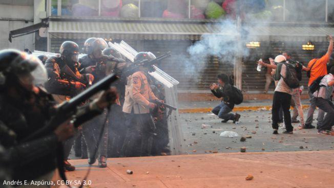 Proteste in Venezuela. Bild: Andrés E. Azpúrua, CC BY-SA 3.0, bearbeitet.