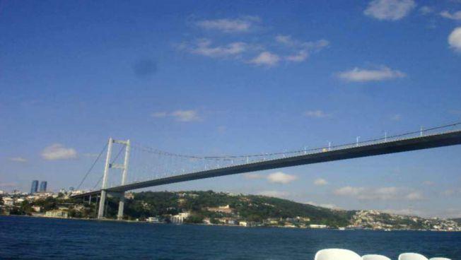 Die Bosporusbrücke in Istanbul