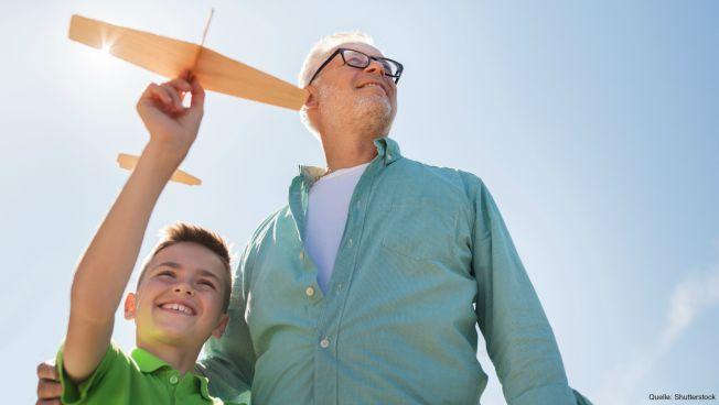 Großvater mit Kind