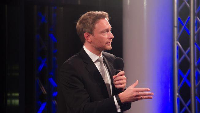 Nordrhein-Westfalen: FDP-Chef Lindner beharrt nach NRW-Wahl auf eigenständigem