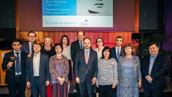Gruppenbild von der Preisverleihung. Bild: Stiftung für die Freiheit