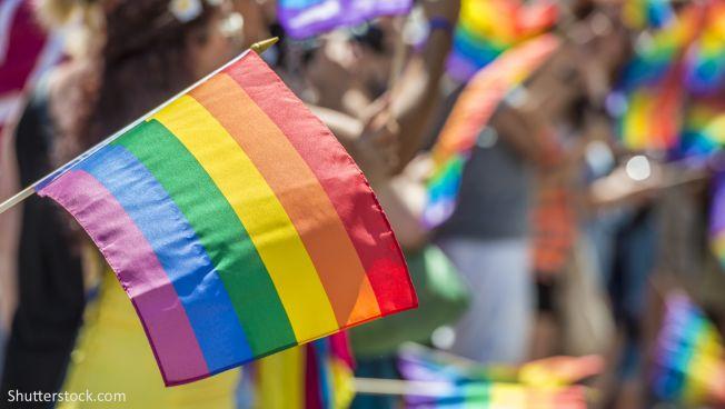 Regenbogen-Flagge auf dem CSD