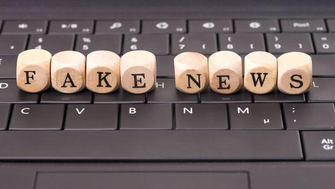 Fake News-Motiv-Bild