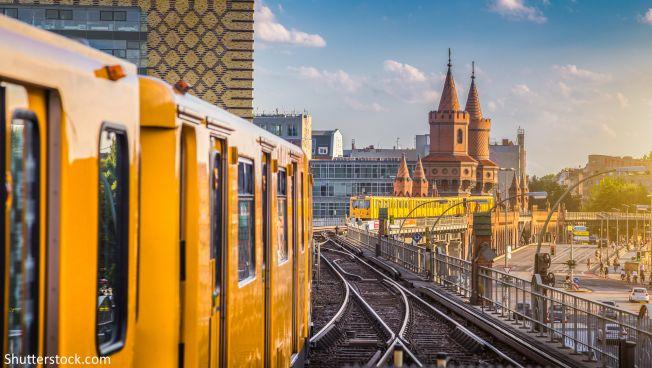 Die FDP-Fraktion Berlin fordert freies und schnelles WLAN im ÖPNV