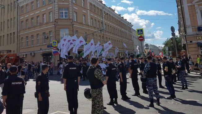 Marsch gegen Big Brother im Zentrum von Moskau. Bild: FNF-Projektbüro Moskau