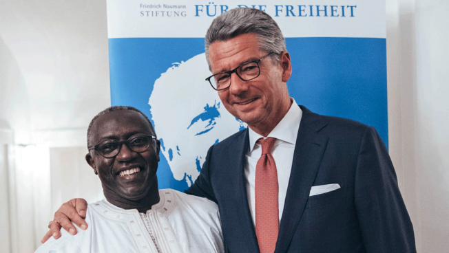 Die diesjährigen Preisträger, Amadou Diaw und Ulrich Grillo. Bild: Stiftung für die Freiheit