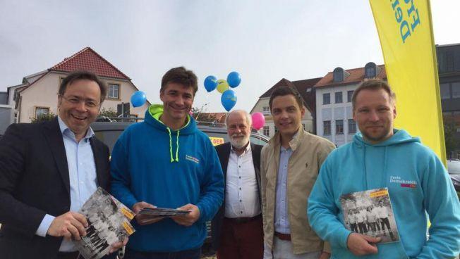 Hagen Reinhold im Wahlkampf mit Patrick Meinhardt