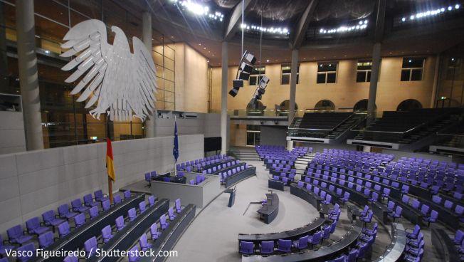 Plenarsaal (Vasco Figueiredo / Shutterstock.com)