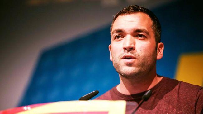 Konstantin Kuhle spricht auf dem Bundeskongress der JuLis. Bild: facebook.com/kuhle.konstantin