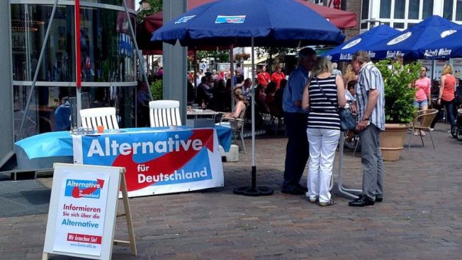AfD-Stand in Bocholt (Ziko van Dijk, 2013-07 Alternative für Deutschland Bocholt, CC BY-SA 3.0)