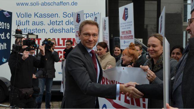 Christian Lindner gemeinsam mit dem Bund der Steuerzahler