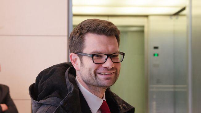 Marco Buschmann nach einer Sondierungsrunde im Deutschen Bundestag