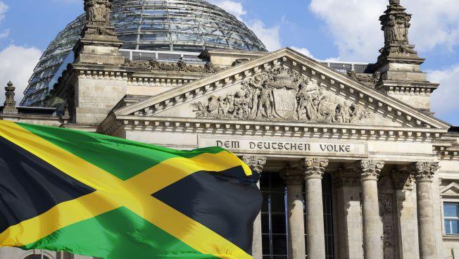 Jamaika-Flagge vor Reichstag