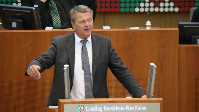 Christof Rasche spricht im Landtag NRW