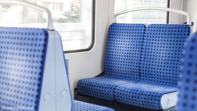 Sozialticket bleibt - Verkehrsminister Wüst lenkt ein