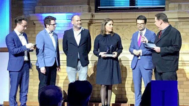FDP, Universum AG und die Heimat nehmen den Preis entgegen
