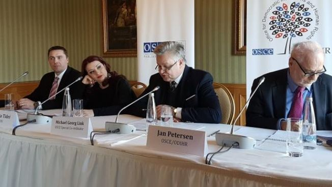 Pressekonferenz des Wahlbeobachterteams