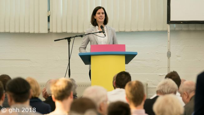 Katja Suding spricht auf dem Landesparteitag der FDP Hamburg. Bild: Gerhold Hinrichs-Henkensiefken