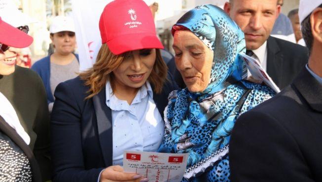 Die Kandidaten suchen das persönliche Gespräch mit den Wählern. Bild: Stiftung für die Freiheit