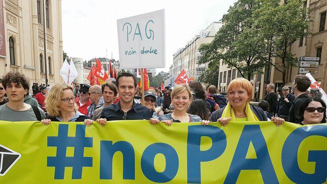Martin Hagen bei der #noPAG-Demo. Bild: facebook.com/hagen2018
