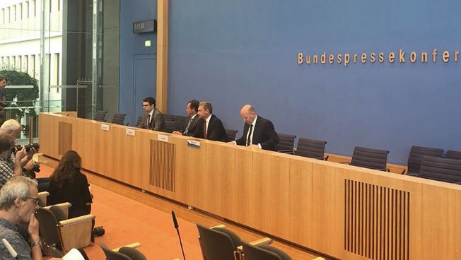 Die Freien Demokraten fordern die Einsetzung eines Untersuchungsausschusses zur BAMF-Affäre