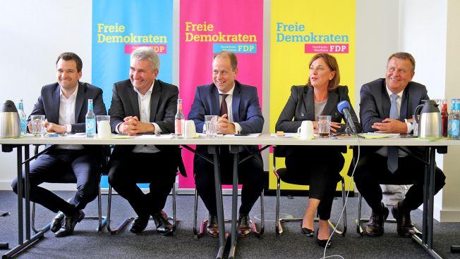 Johannes Vogel, Andreas Pinkwart, Joachim Stamp, Yvonne Gebauer, Christof Rasche