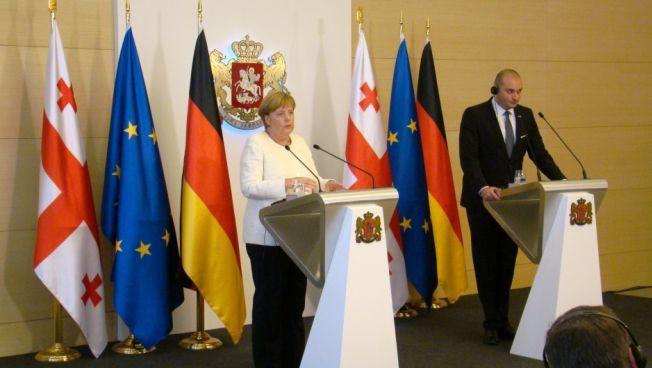 Die Bundeskanzlerin und der georgische Premierminister Mamuka Bakhtadze. Bild: Stiftung für die Freiheit