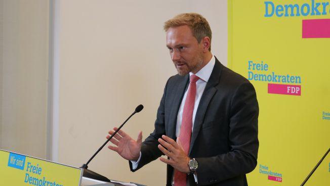 Christian Lindner kritisiert die Arbeitsbilanz der Großen Koalition