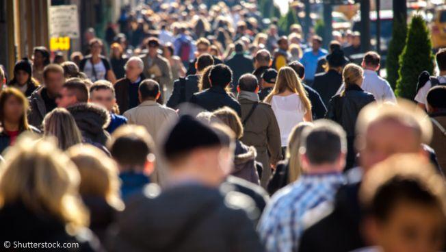 Menschenmenge auf Straße
