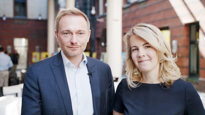 Linda Teuteberg und Christian Lindner auf der Pressekonferenz
