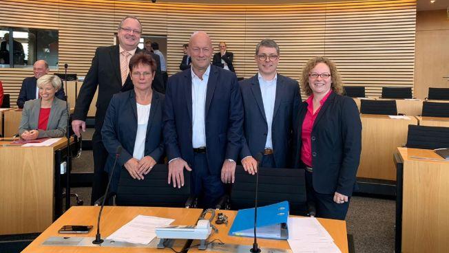 Dirk Bergner, Ute Bergner, Thomas L. Kemmerich, Robert-Martin Montag und Thomas L. Kemmerich, Franziska Baum,  (v. l.)