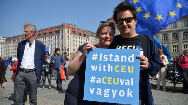 Anna und Roland wollen ein Zeichen für wirtschaftliche und intellektuelle Freiheit setzen