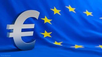 Europa-Flagge und Euro-Zeichen