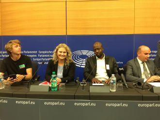 Pressekonferenz mit Nadja Hirsch, MdEP, und Wyclef Jean